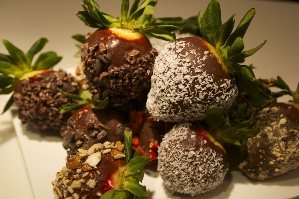 Raw Superfood Chocolate Strawberries