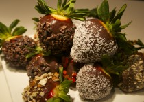 Raw Superfood Chocolate Dipped Strawberries